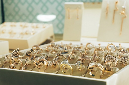 More Than 1,000 Jewelry Businesses Shut in 2017